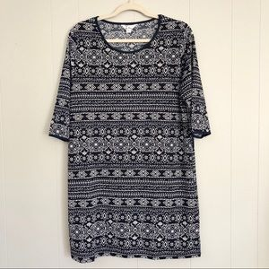 🌺5th&Love navy blue and white short sleeve tunic